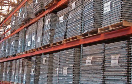 Floor to ceiling stacks of flex panels