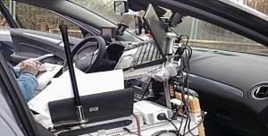 Cars make poor desks
