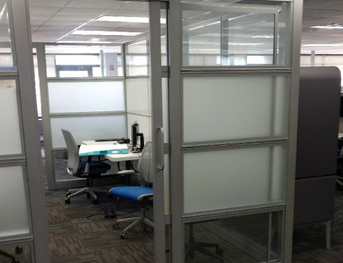 Pre-Owned Steelcase Montage Freestanding Glass Panel Enclosure